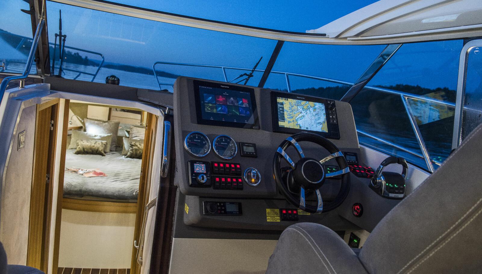 SMART: Oppbygningen av dashbordet gjører førerplassen tett og oversiktelig.