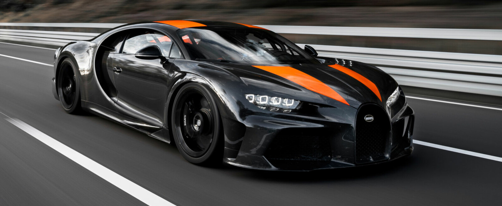 <b>REKORD:</b> En pre-produksjonsutgave av en spesialversjon av Bugatti Chiron gjorde 490 km/t på VW-gruppens testbane.