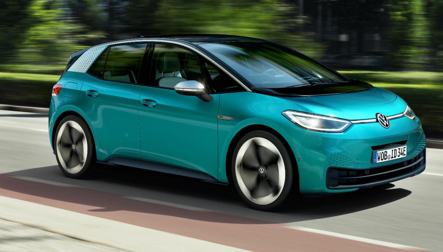 <b>VOLKSWAGEN ID.3: </b>Elbilen ID.3 hadde verdenspremiere i dag. Innstegsmodellen skal ha en rekkevidde på 330 kilometer med 45 kWh-batteri. Den vil koste under 30 000 euro. Deretter kommer versjonen med 58 kWh-batteri og en rekkevidde på 420 km. Toppmodellen skal ha er 77 kWh-batteri med en rekkevidde på 550 km. Du skal kunne hurtiglade ID.3 til en rekkevidde på 290 km på 30 minutter med 100 kW-lading.